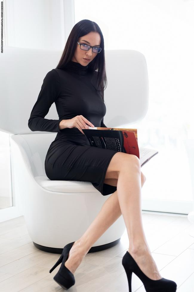 Офисная Леди