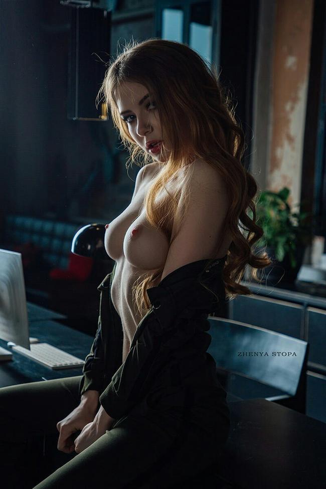 Секретарша ждет заданий