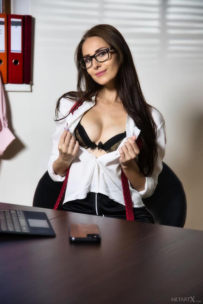 Секретарше скучно