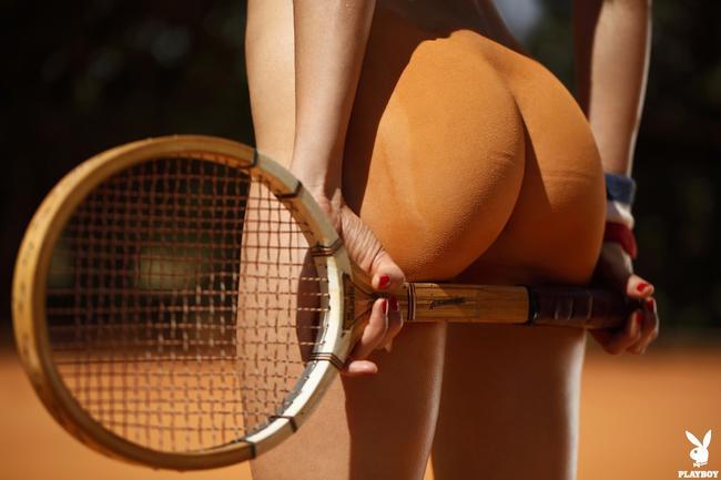 Теннисная попка