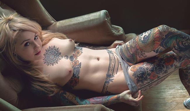 Прекрасное тело в татуировках