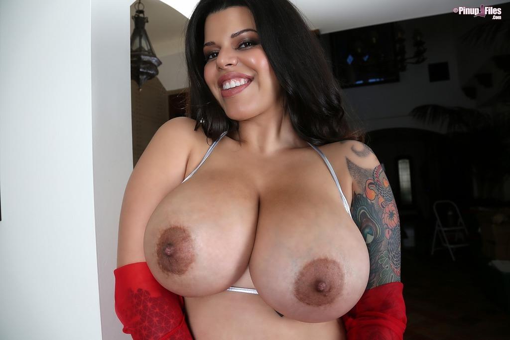 Большая грудь Луизы