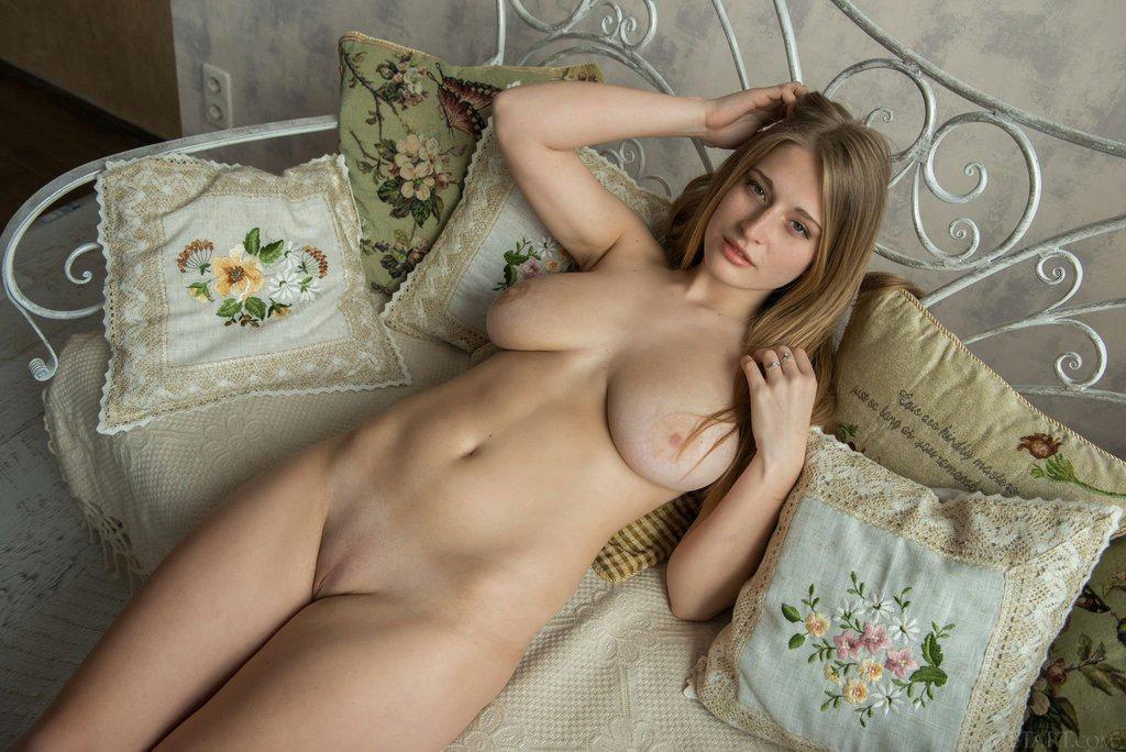 ukrainki-seks-foto-ero-foto-striptiz-chlenom-soset