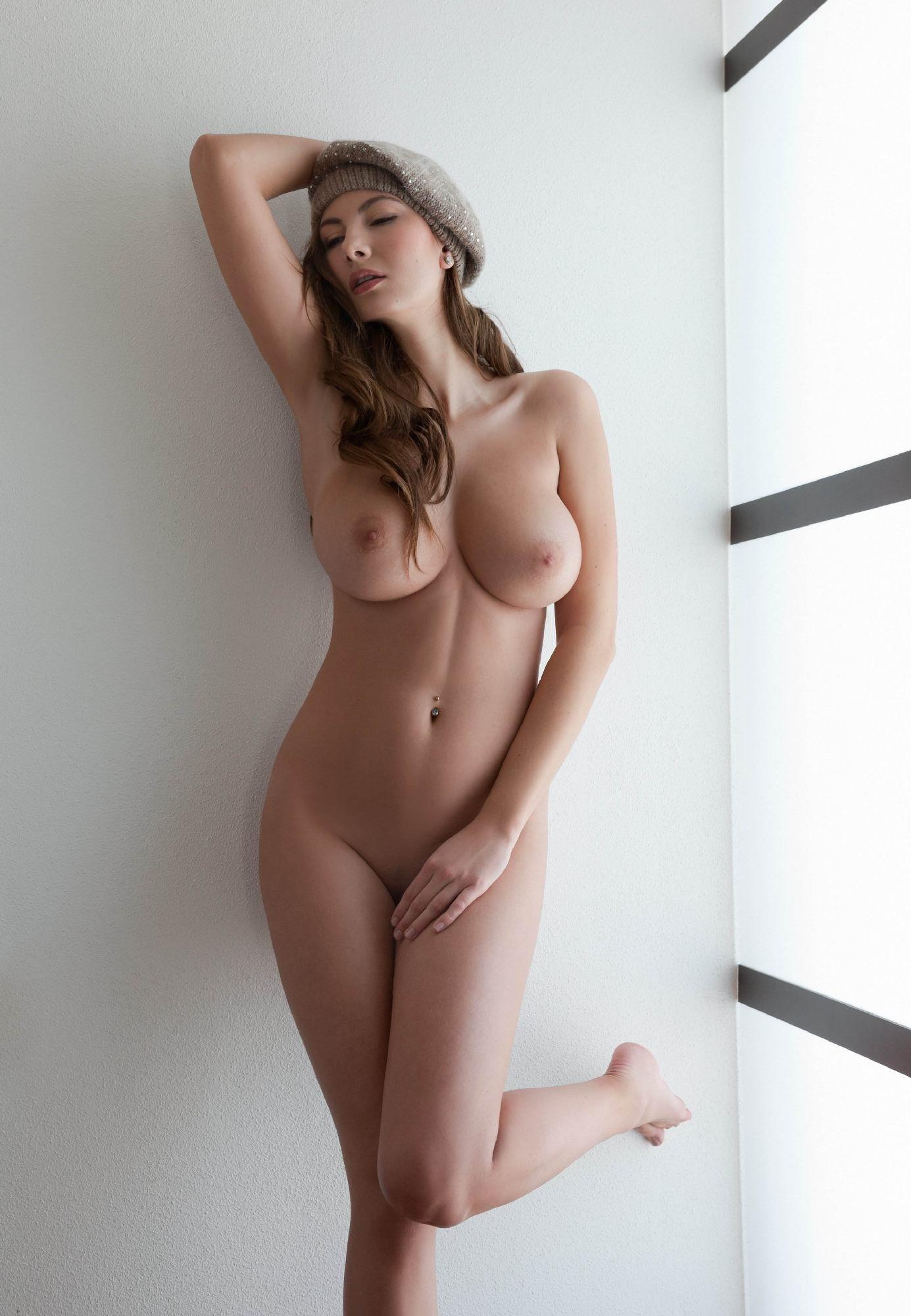 французские обнаженные молодые девушки