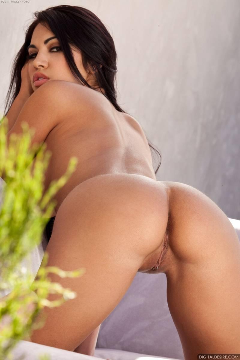 Sexy latina danni california