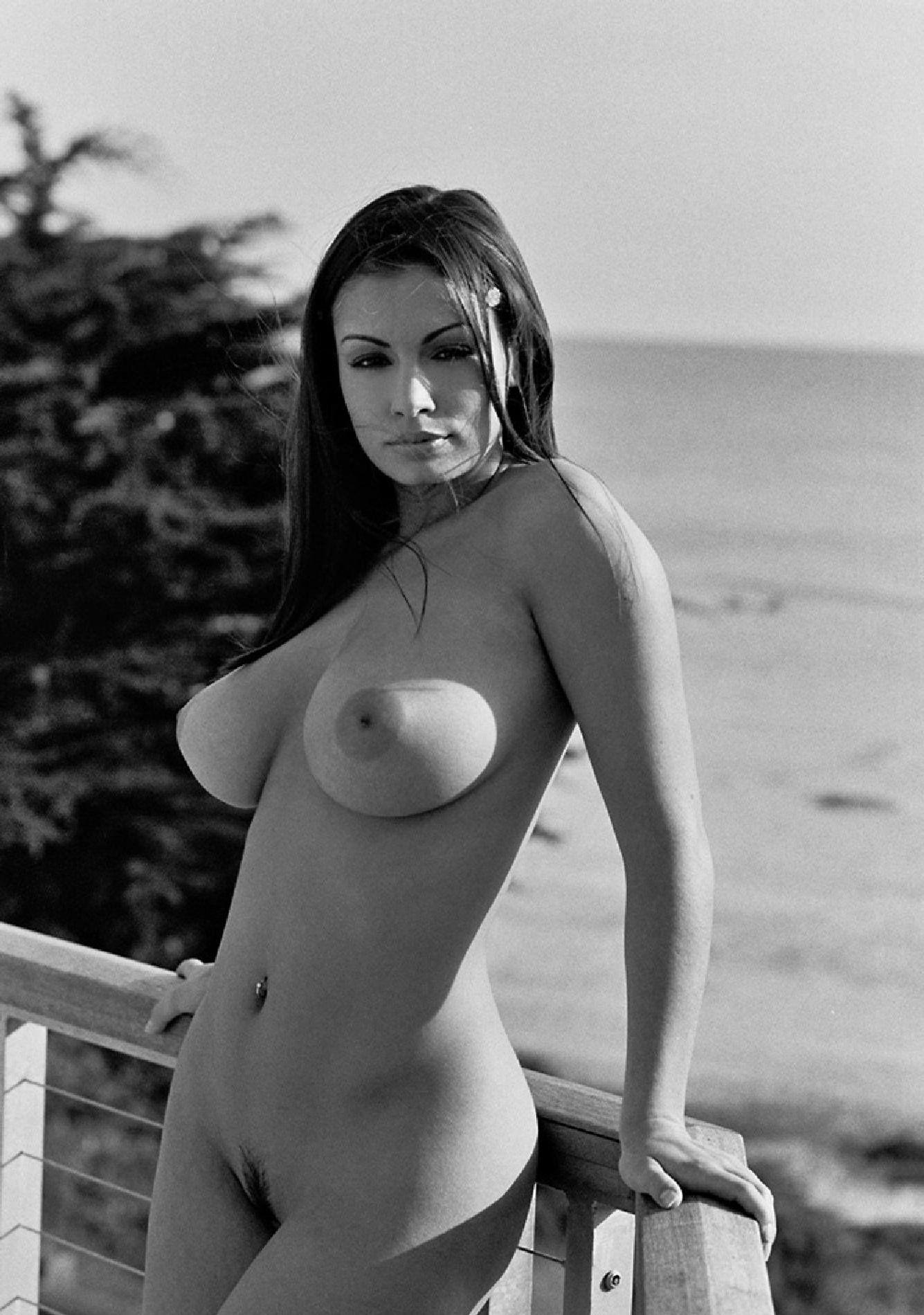 Daniela Lanio Nude