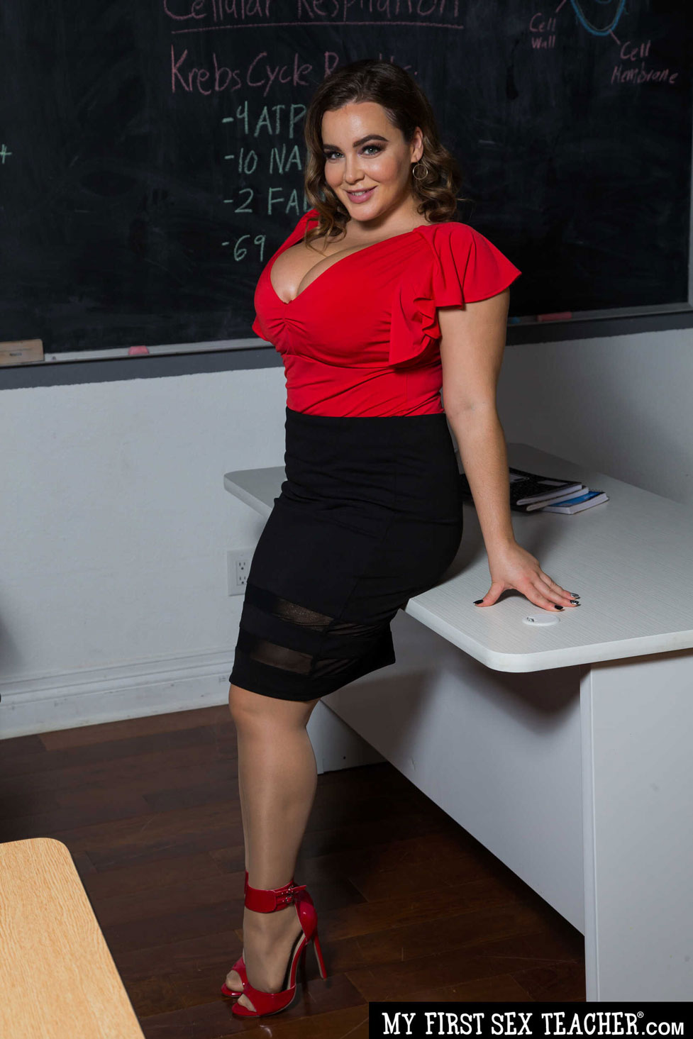 NATASHA NICE BUSTY TEACHER