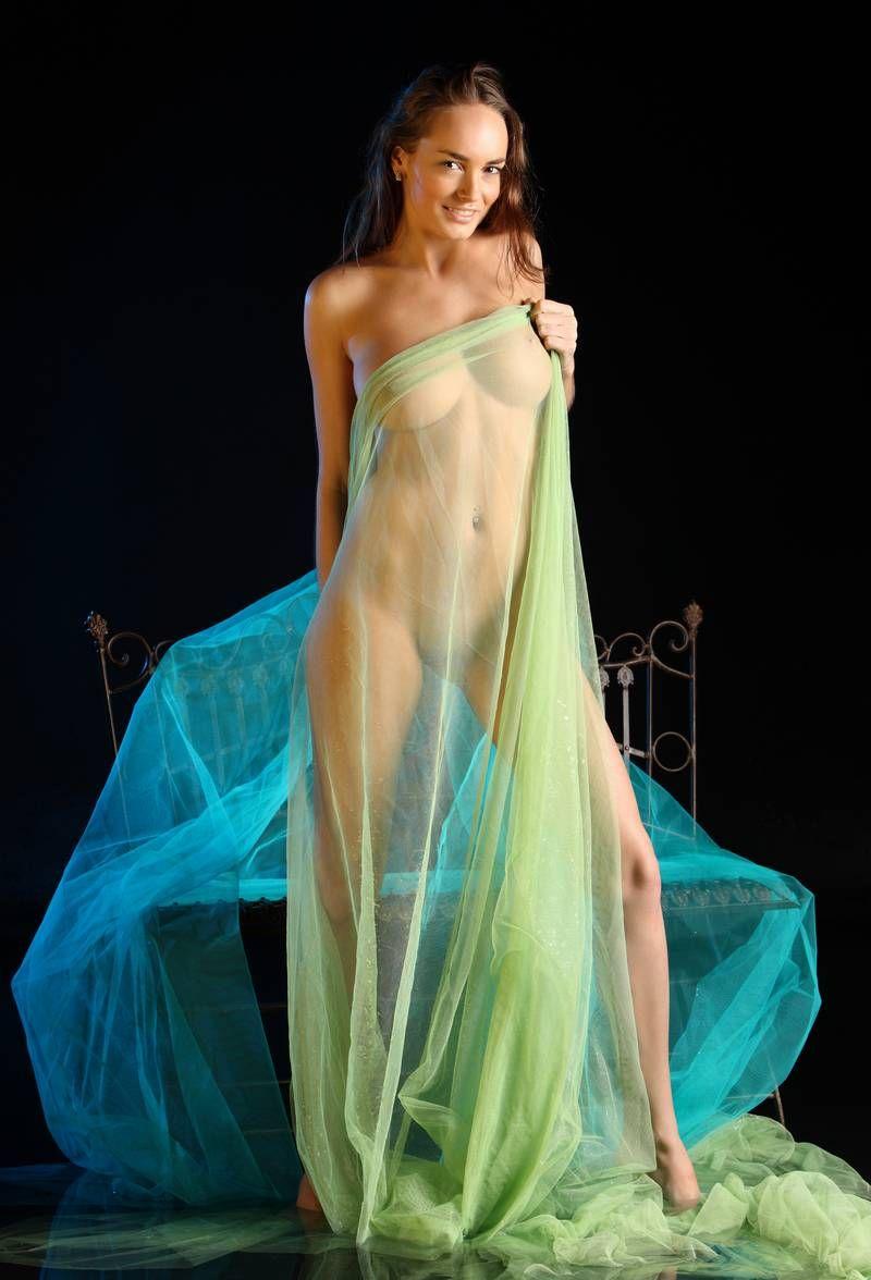 фото в платьях эротика перепробовала много