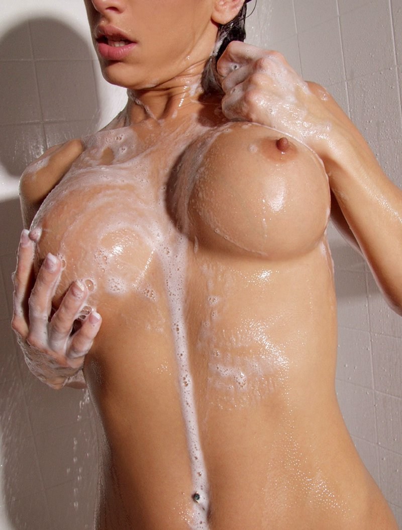 sexy-tits-shower-retro-girls-getting-nude