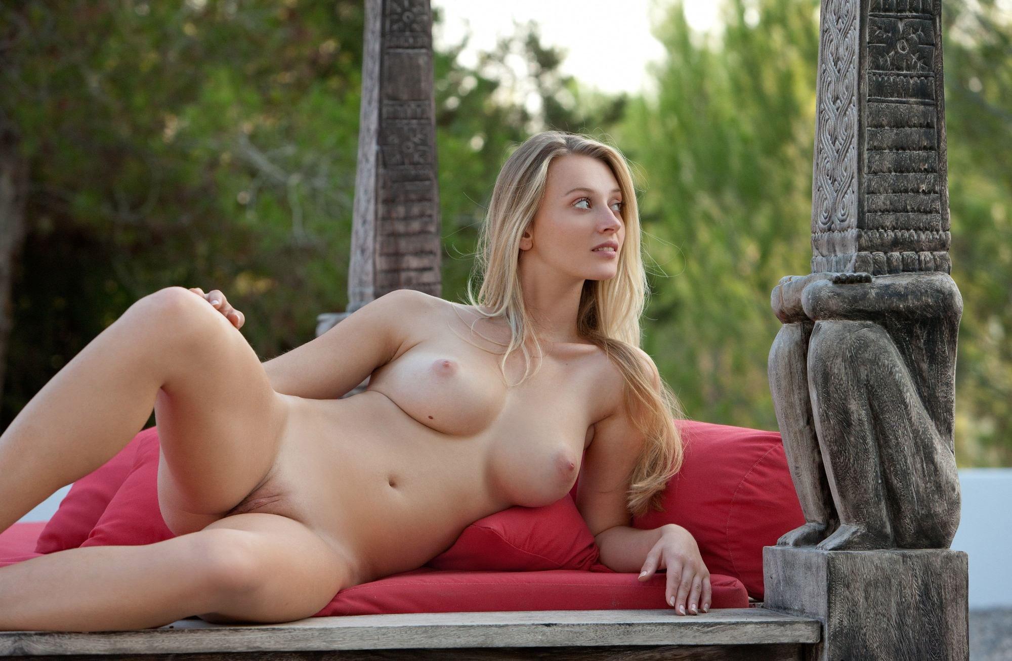 Крупным натуральная грудь красивая фигура секс смотреть порево