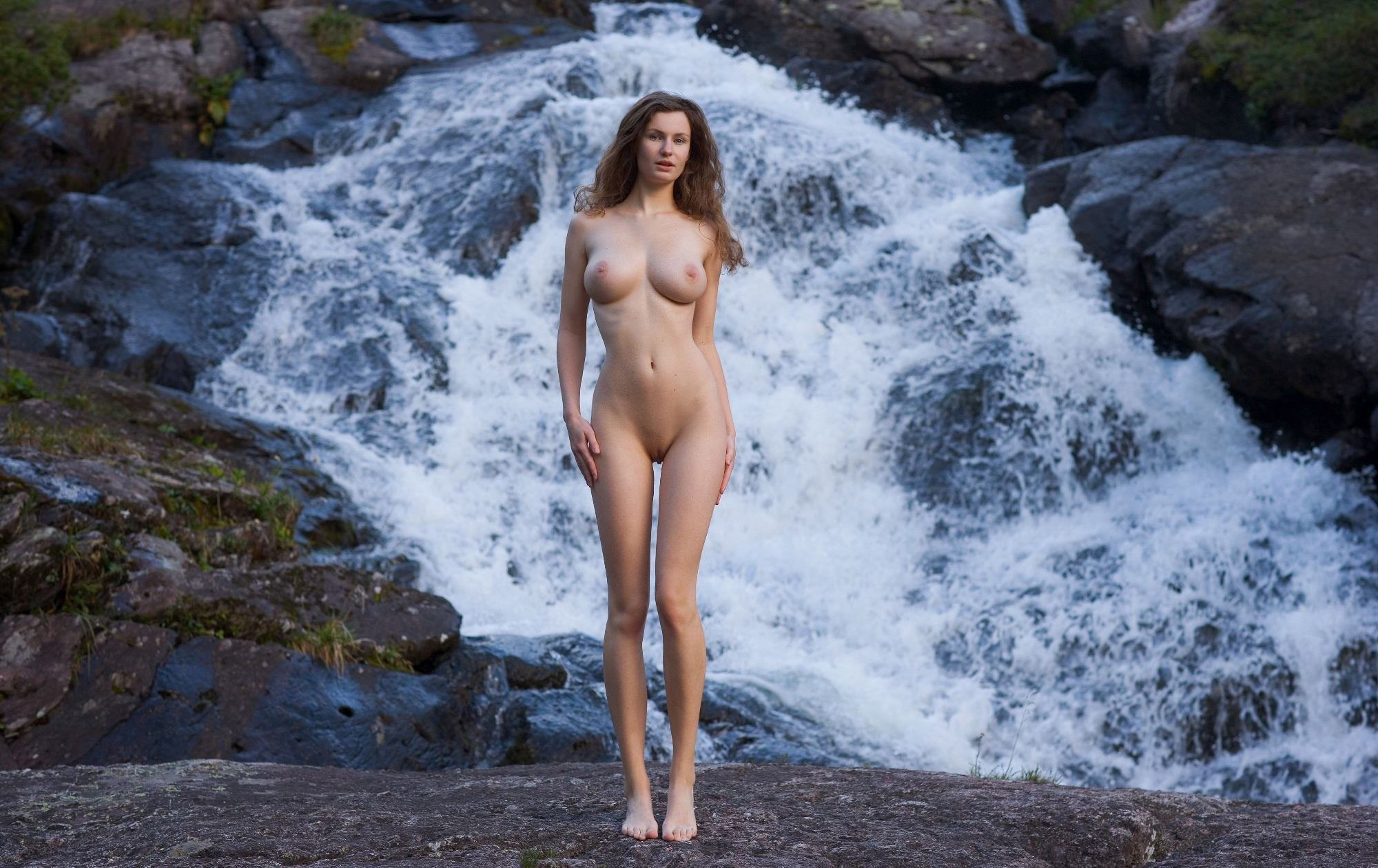 naked-girls-at-waterfall-video