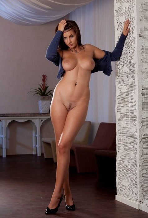 Фото голых высоких больших девушек