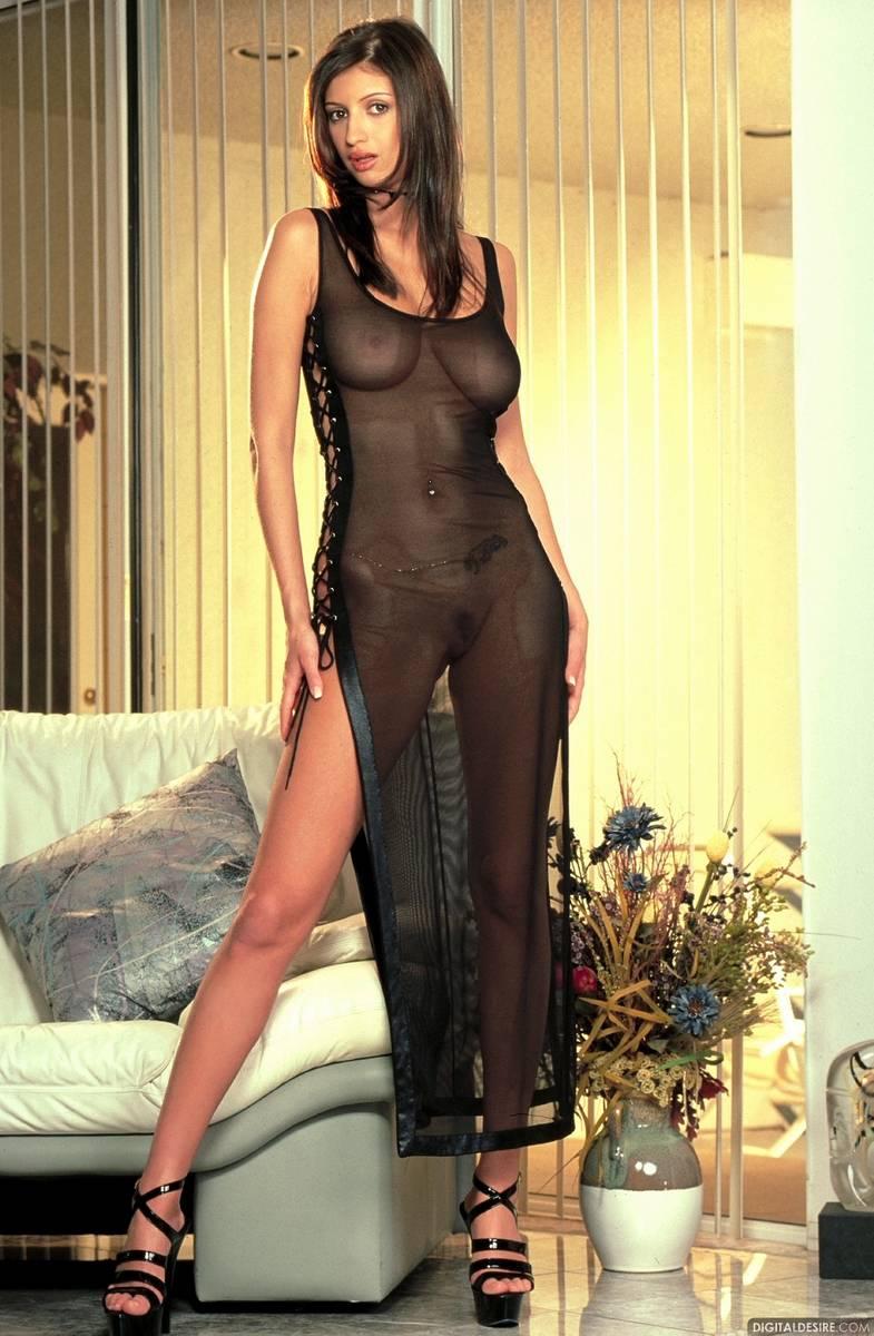 девушки порно девушки в вечернем платье глубине души она