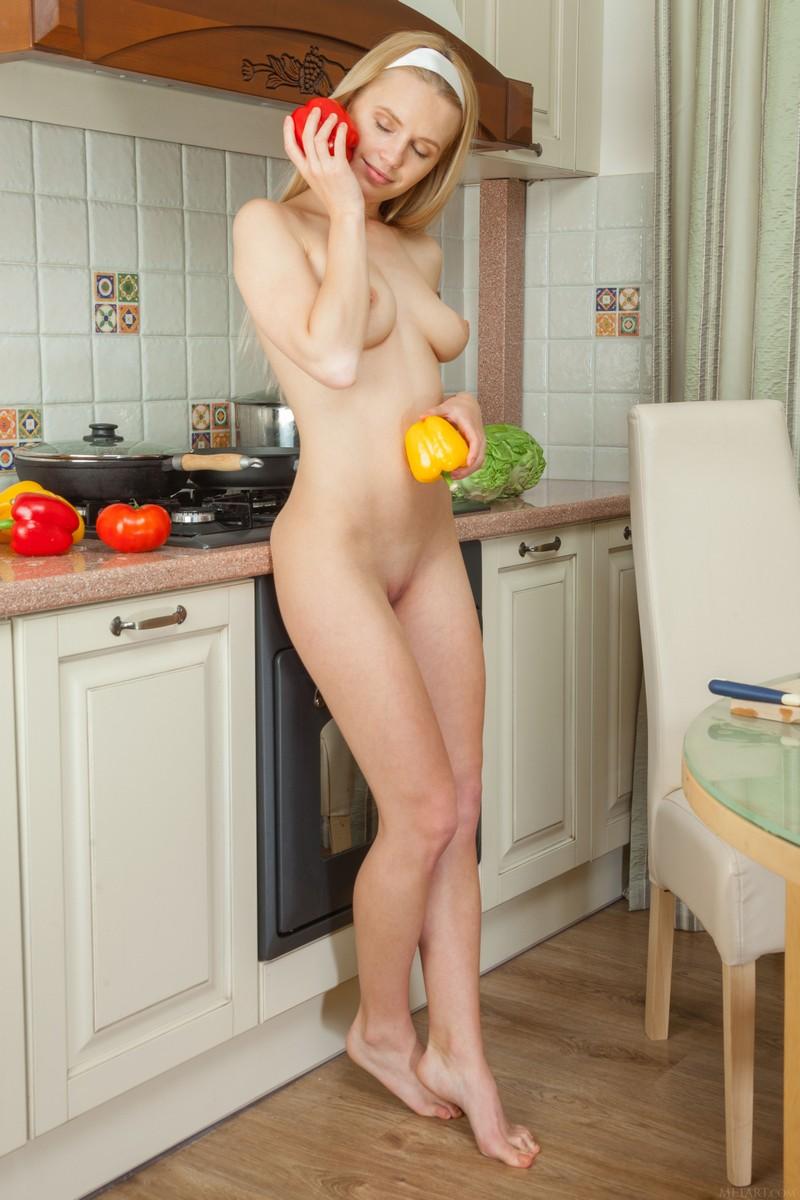 Фото голой сексуальной домохозяйки — pic 10
