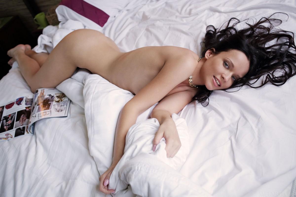marika-rustling-naked-hard