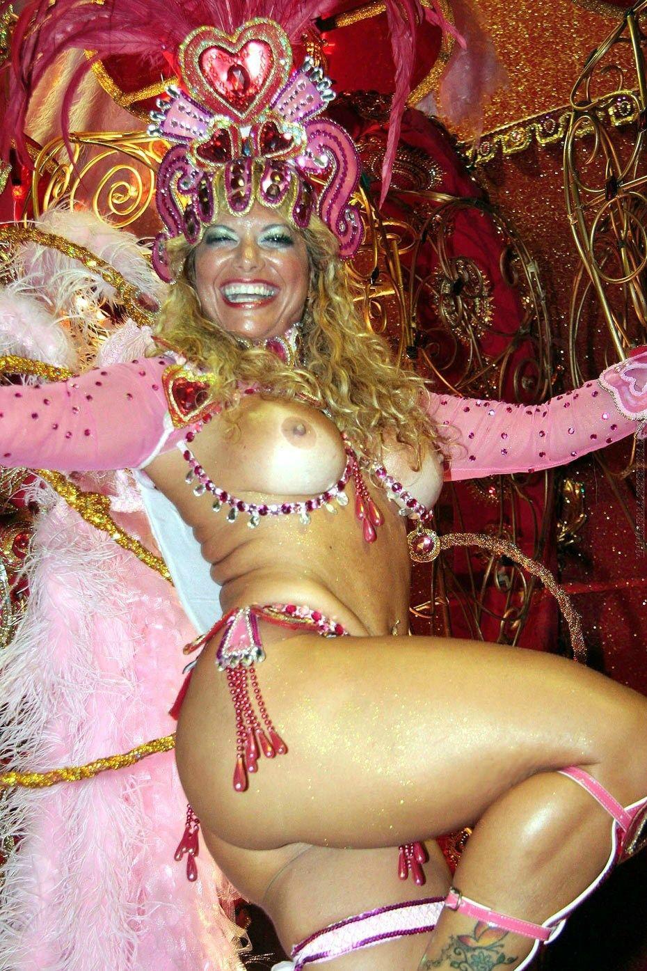 Смотреть бразильские эротические шоу ночной клуб мария
