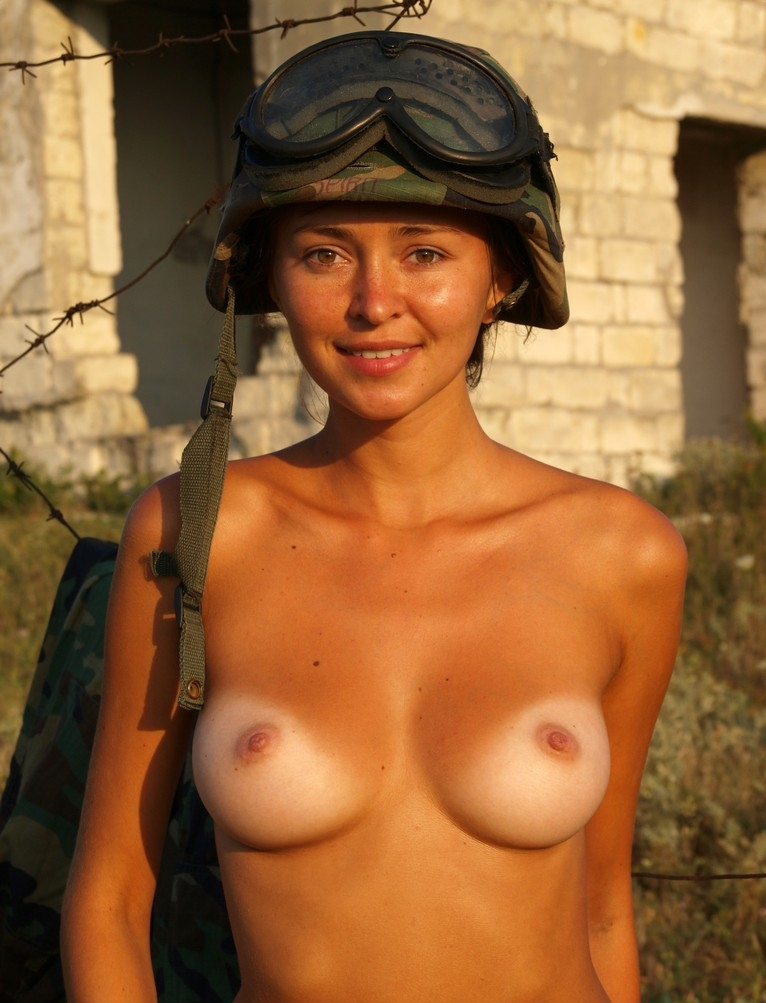 Female sexy military naked — pic 15