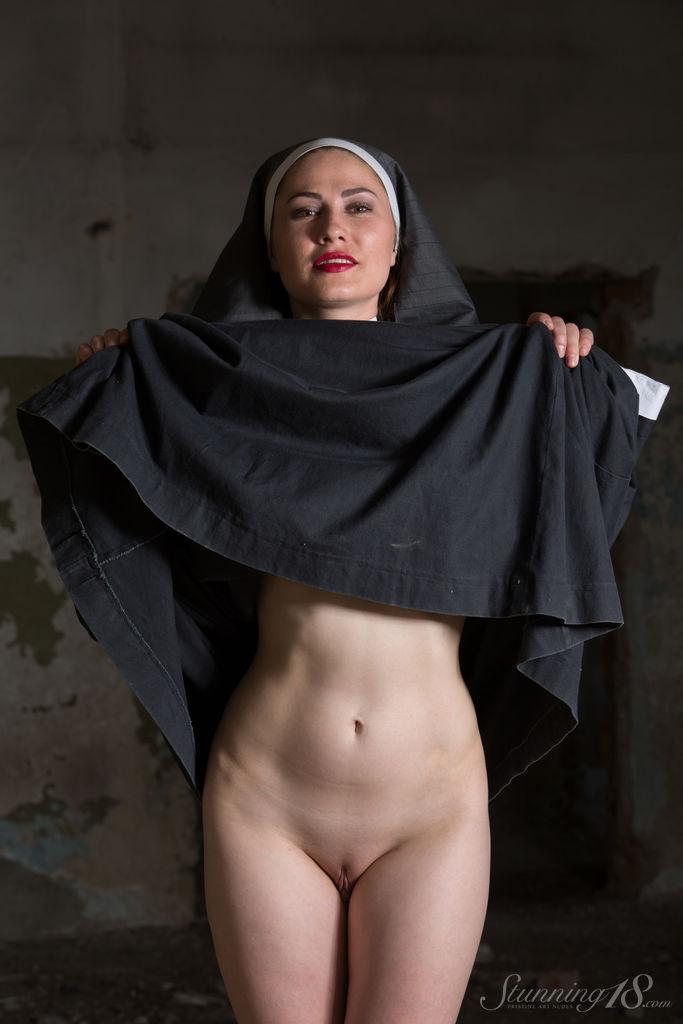 Монашка на сексуальной исповеди