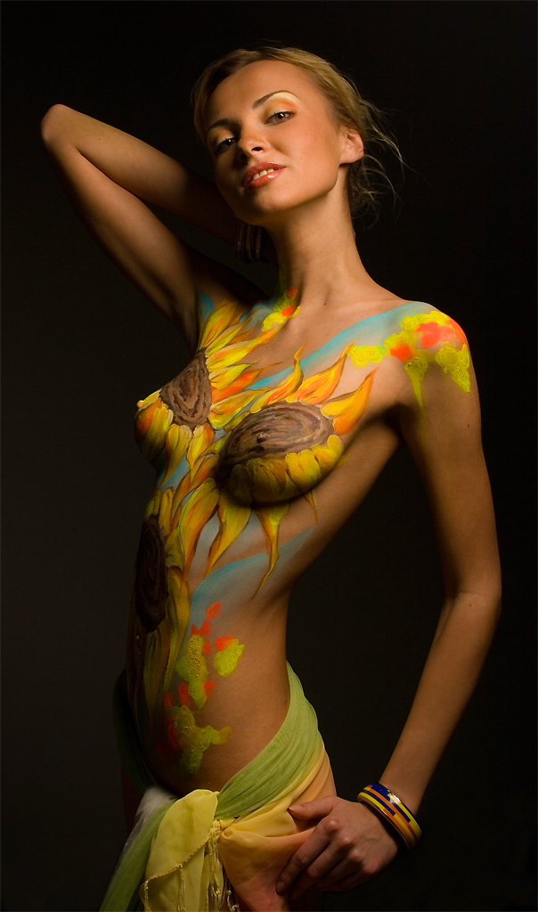Female nude body painting — pic 8