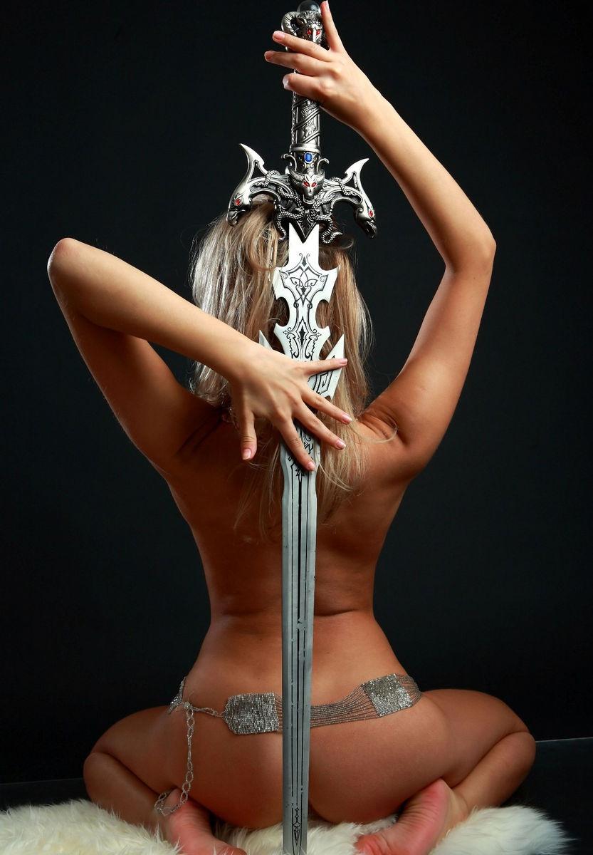 Nude girl goddess