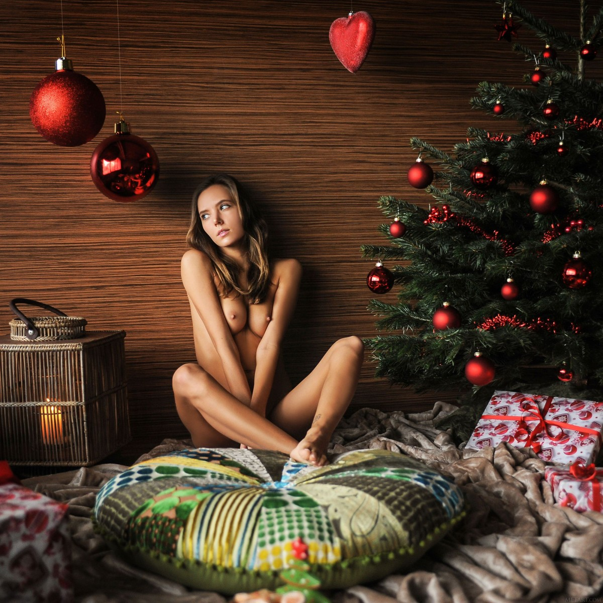 nude-christmas-women-photos