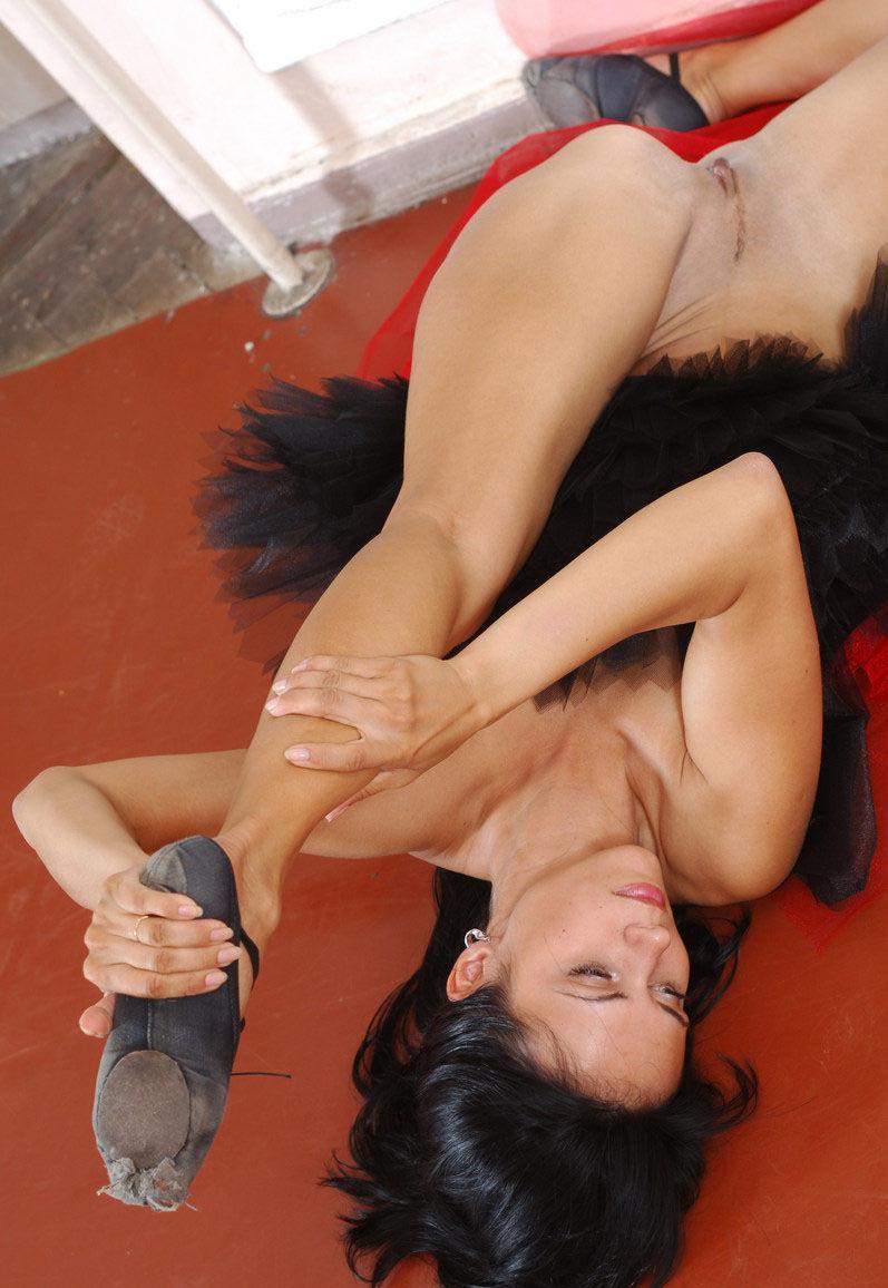 porno-zasveti-balerin