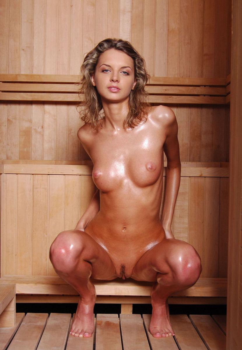 seks-kuhne-krasavitsi-golie-v-saune-seks