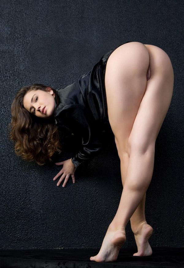 Between the nude legs hot womens pic — 13