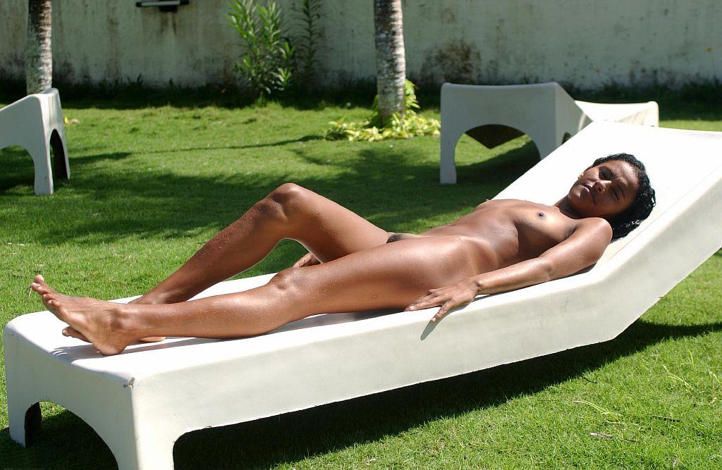 Hot women sunbathing nude