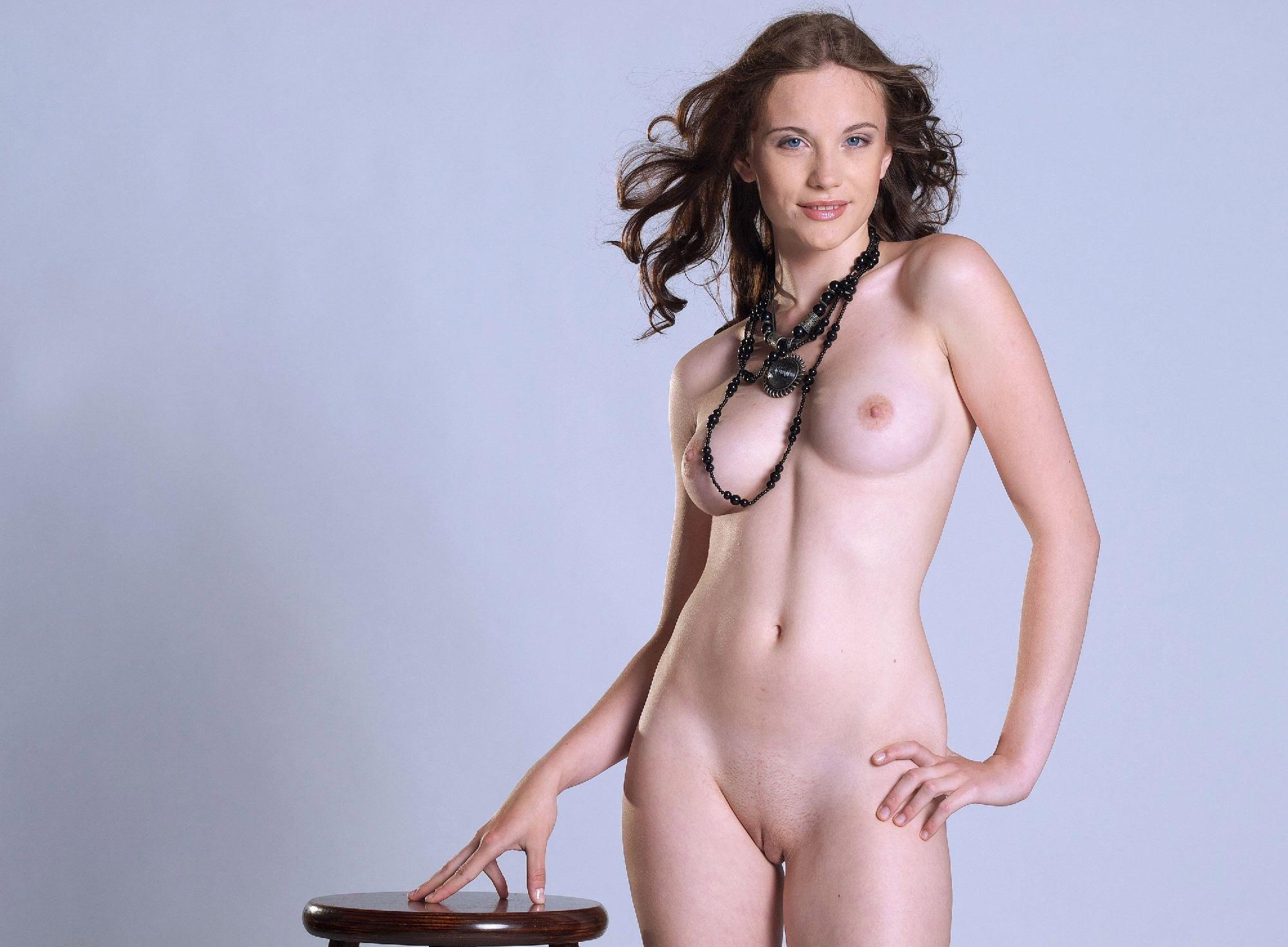 liana-garipova-ero-foto-fotografii-seksualnih-muzhchin-golie-chleni