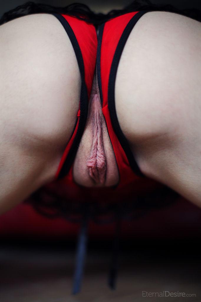 Девушка Красные Трусики Порно
