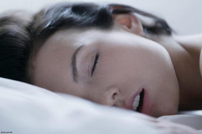 На кроватке