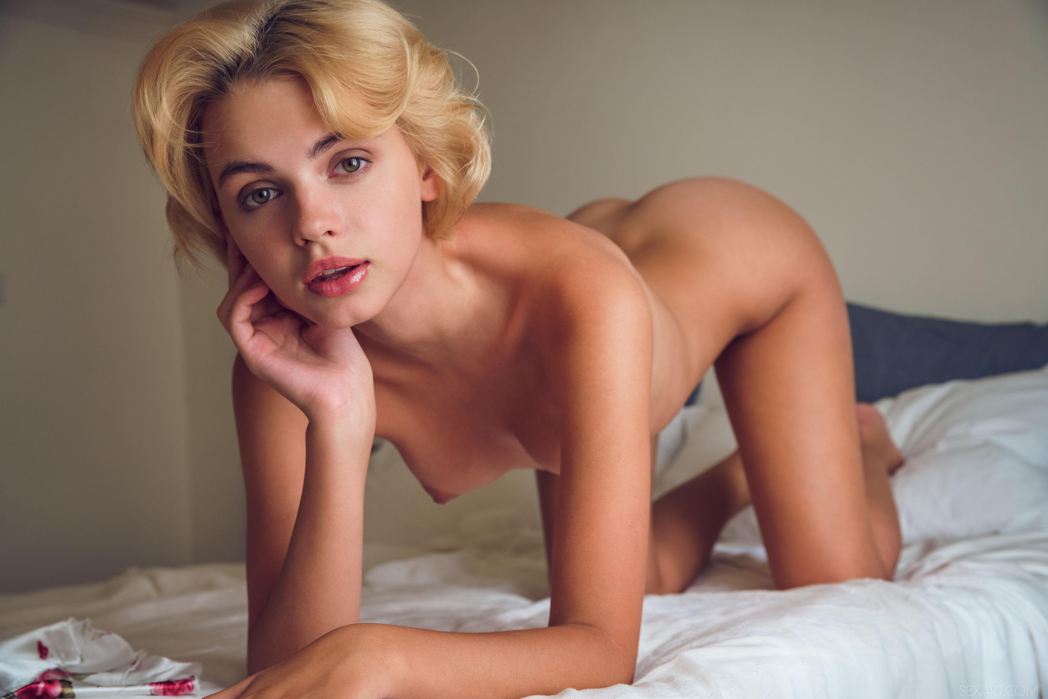 ero-foto-frantsuzskih-devushek-sandi-monro-porno