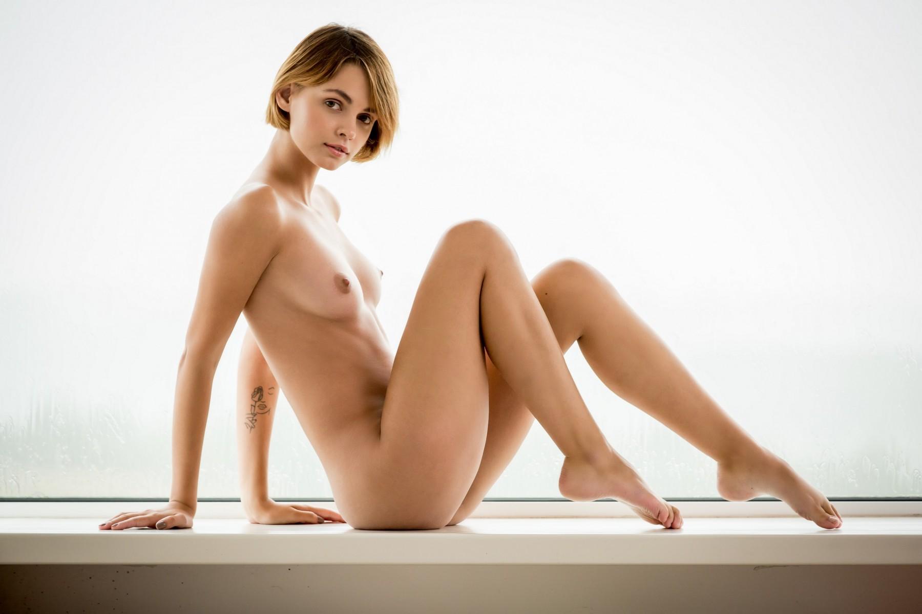 stylez-anal-lean-girl-nude