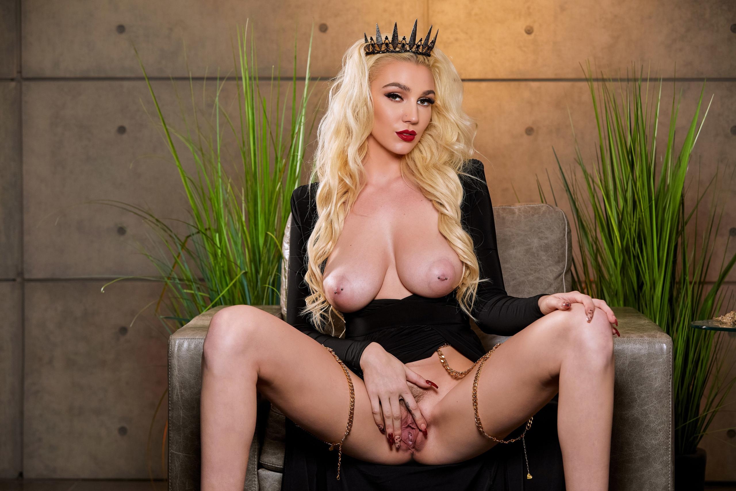 the dark sexy queen