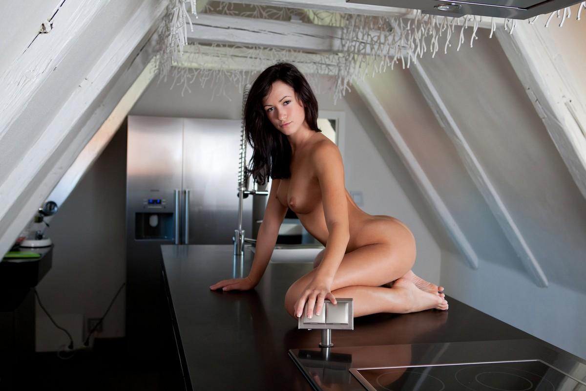 tess-foto-vse-video-erotika-minet-vozle-kluba