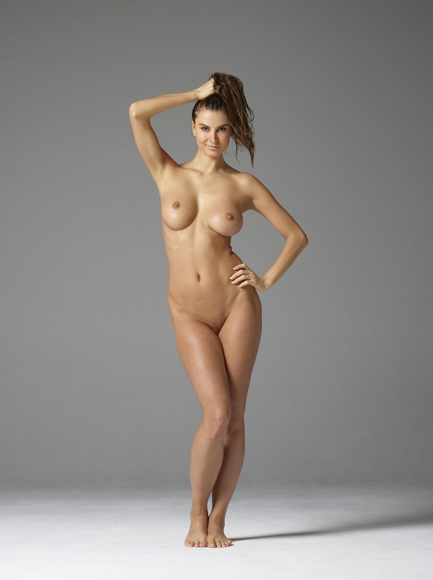 Голые девушки стройными фигурами 11