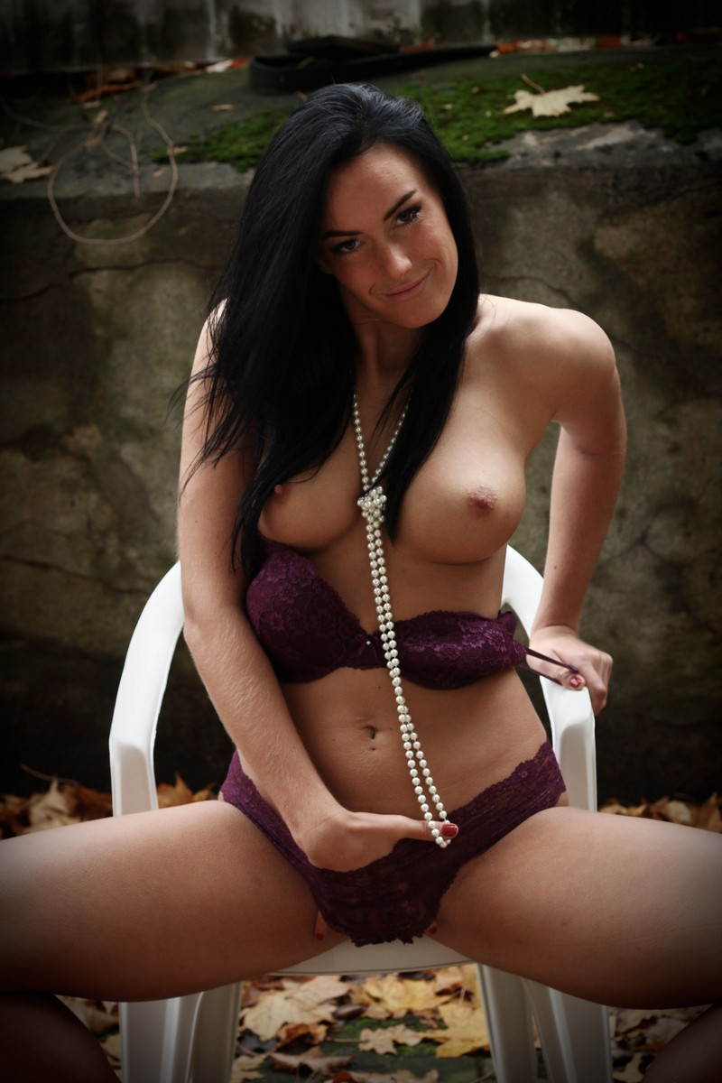 girl-download-the-zip-file-of-this-hot-photoset-nude-comic
