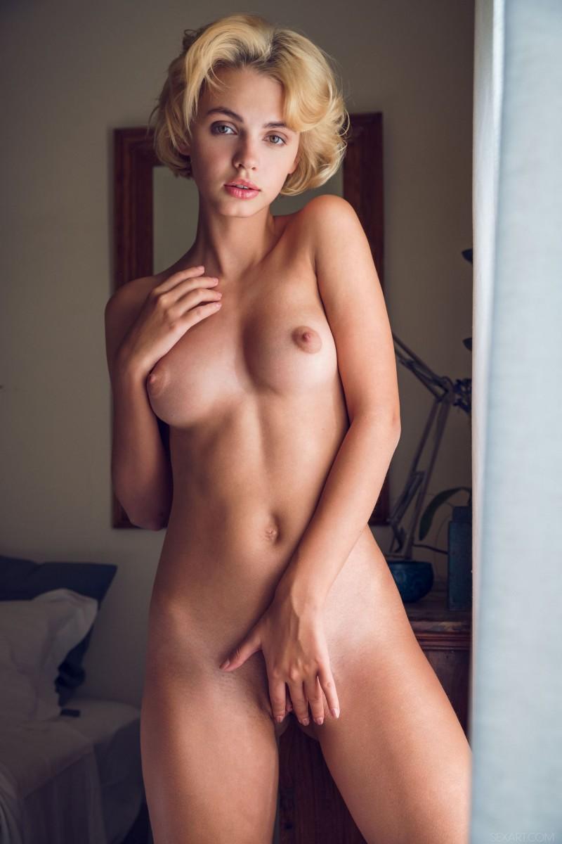 французский девушки фото голые