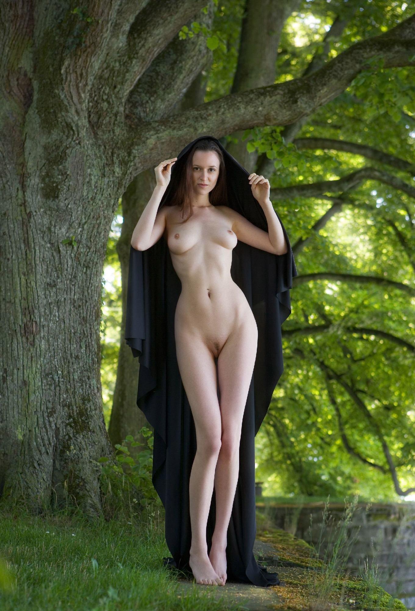 girl-park-girl-nude