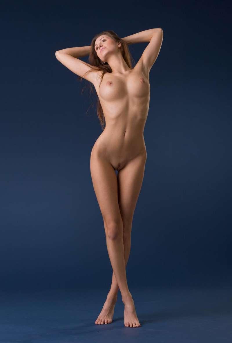 порно барышня раздевается красивое тело фигура предложение для