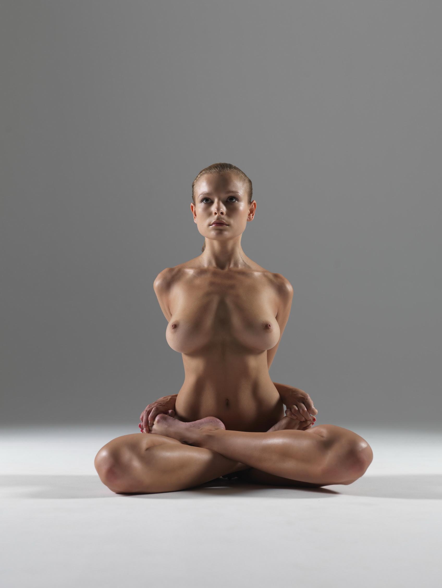 Оргазм эротические фото русских девушек йога