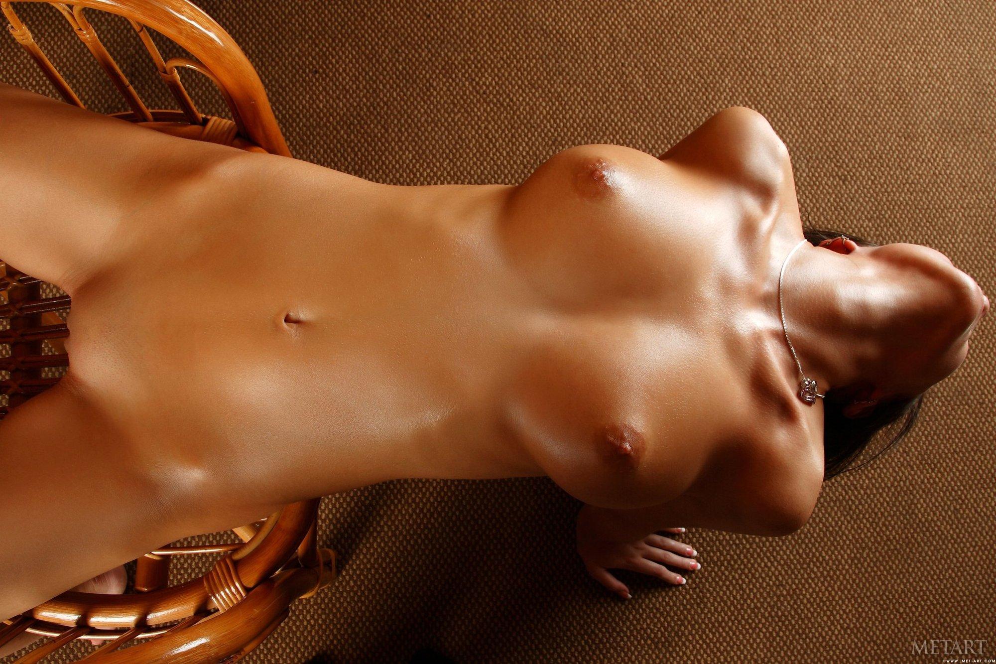 обнаженное женское тело эротика