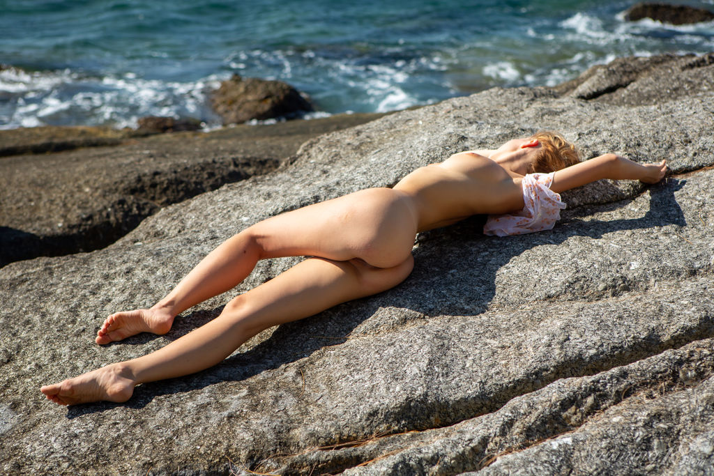 Девочка с побережья