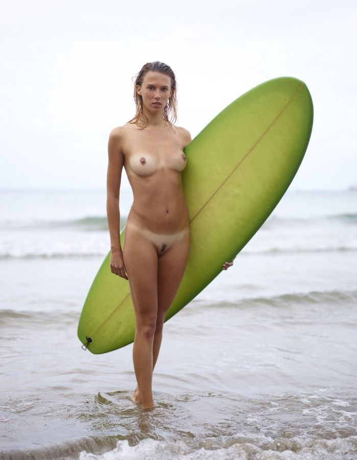 oahu-surf-girls-nude