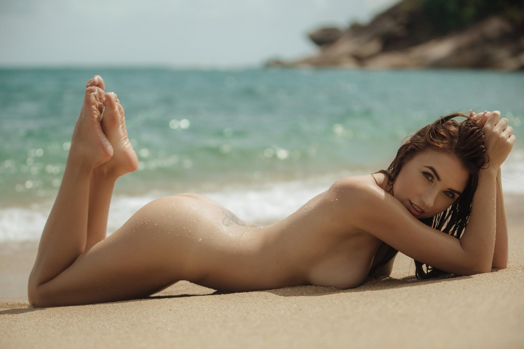красивая эротика из пляжа чтобы оно было