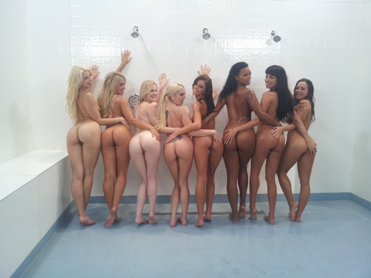 Ass munching girls, blonde jeans fuck pussy