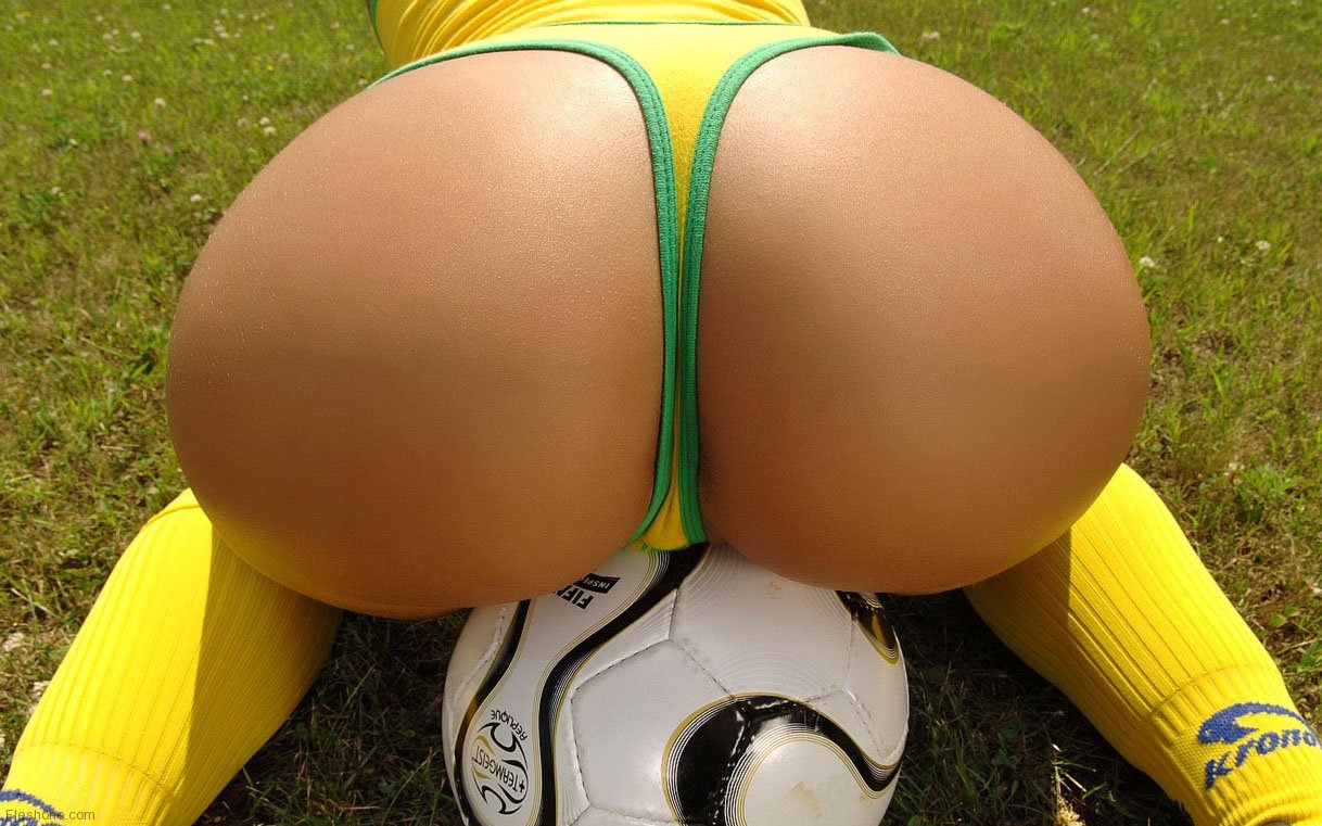 Sports girls asses naked — photo 6