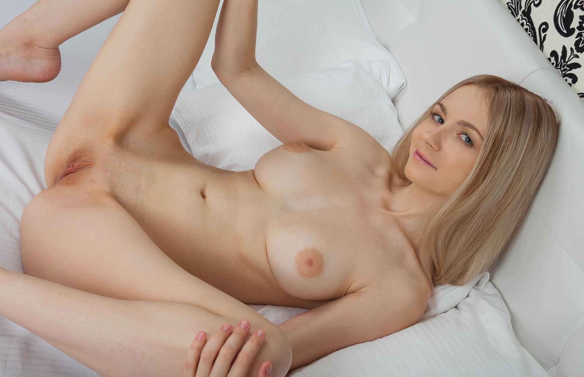 Metart nude sex, girl in yoga pants having hardcore anal sex