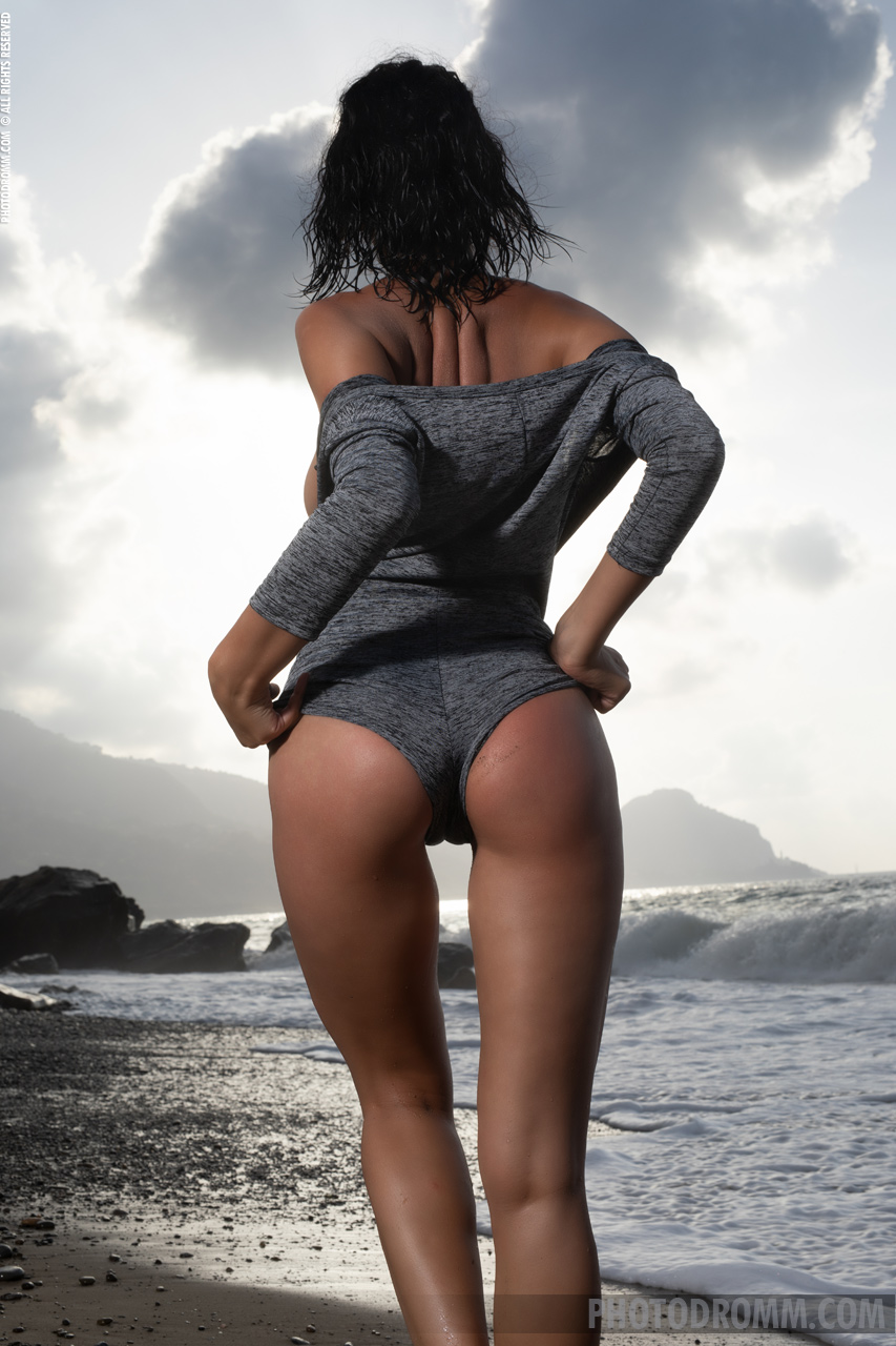 На песке